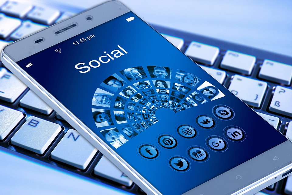 buscar empleos vacantes por medio de facebook